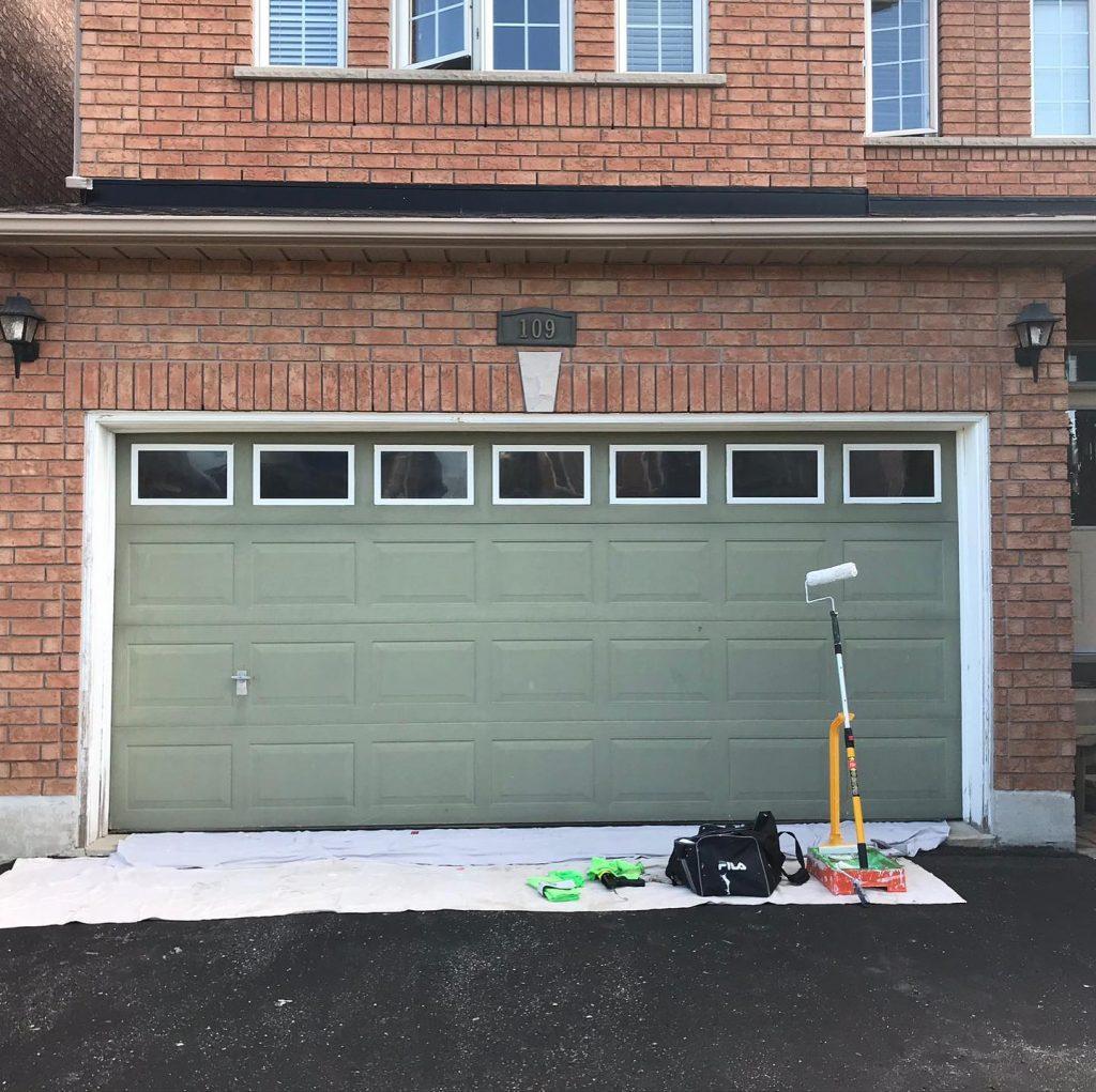 garage door painting Toronto -Before- OnBudget Painting